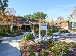 Canyon Woods Apartments - Lake Forest