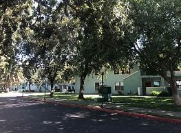 Arlington Farm Apartments - Davis