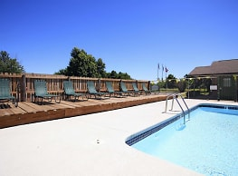 Maple Manor Apartments - Fayetteville