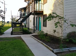 Country Village Apartments - Beaumont