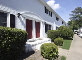 Colony Apartments - Newport News