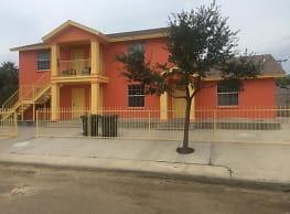 3414 Weeping Willow St - Laredo