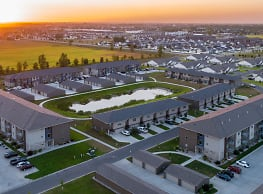 Cottage Grove Apartments & Townhomes - Grand Forks