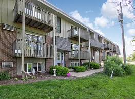 Windjammer Apartments - Sheffield Lake
