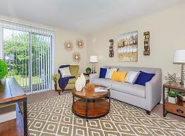 860 East Apartments & Townhomes - Cincinnati