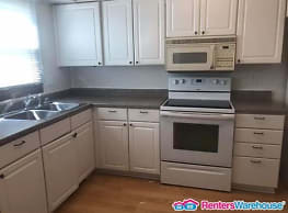 2 Bedroom/1 Bathroom Duplex - Ames