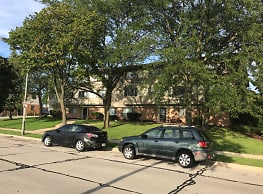 Wilson Park Garden Apartments - Milwaukee