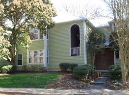 Large 2 bedroom, 2 bath condo! - Charlotte