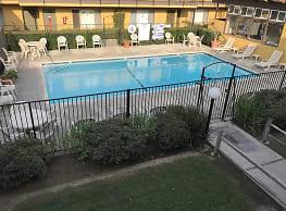 Casa Moreno Apartments - Bassett