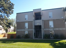 Cottonwood Apartments - Greeley