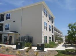 Urban Oaks Apartments - Austin