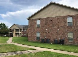 La Maison Apartments - Lake Charles