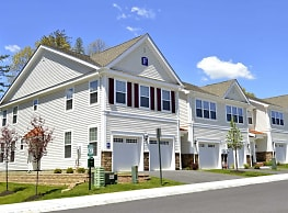 Glen Eyre Apartments - Pine Hill