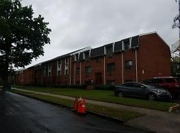 Doddtown Plaza Apartment - East Orange