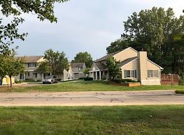 Royale Glen Apartments - Muskegon