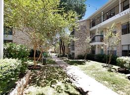 Lamar Station Apartments - Austin