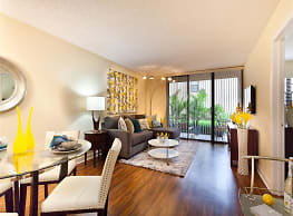 Meadow Walk Apartments - Miami Lakes