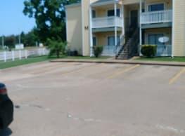 River Oaks Apartments - Shreveport