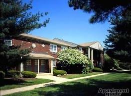 Brookwood Gardens Apartments - East Windsor