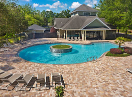 LUX13 - Per Bed Lease - Gainesville