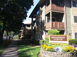 Broadway Center Apartments - Eugene