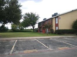 Hacienda Villa Apartments - Greenville