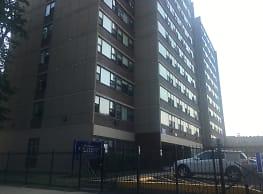 Ellis Lakeview Apartment Building - Chicago