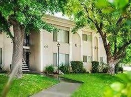 Clovis Courtyard Apartments - Clovis
