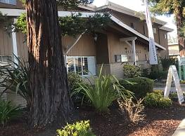 Redwoods Apartments - Hayward