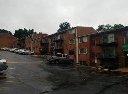 Greenwood Manor Apartments - Washington