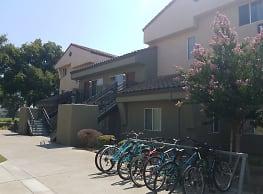 The Colleges at La Rue - Davis