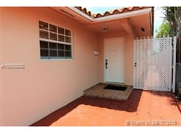 3540 SW 24th St - Miami