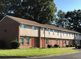 Oyster Point Apartments - Newport News