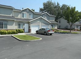 Compass Court Townhomes - West Valley City