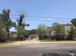 Grand Ole Oaks Apartment Homes - Belden