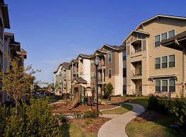 Woodmont Apartment Homes - Fort Worth
