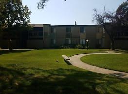 Pine Manor - Sacramento