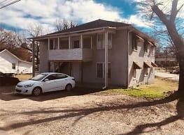 307 Rogers Lake Rd - Kannapolis