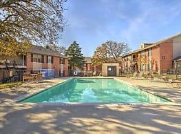 Rolling Oaks Apartments - Giddings