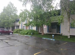 Independence Park Apartments - Anchorage