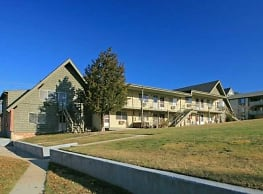 Apartments at Remington Pond - West Warwick