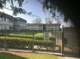 Sierra Gardens Apartment Homes - Fontana