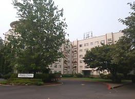 Eugene Manor Apartments - Eugene