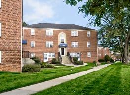 Cross Country Manor - Baltimore
