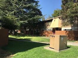 Howe Manor East - Sacramento