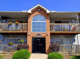 Pebble Creek Apartments - Twinsburg