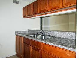 Julian Manor Apartments - Long Beach