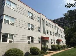 Key Boulevard Apartments - Arlington