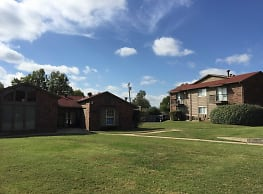 The Village Apartments - Broken Arrow
