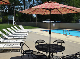 Somerset Villa Apartments and Crysler Garden Apartments - Lees Summit